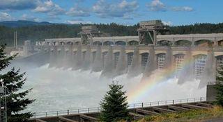 Bonneville-dam-spillway